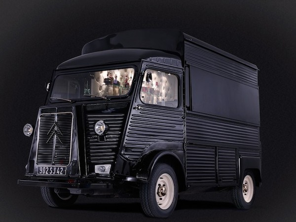 mobile cocktail  bar van