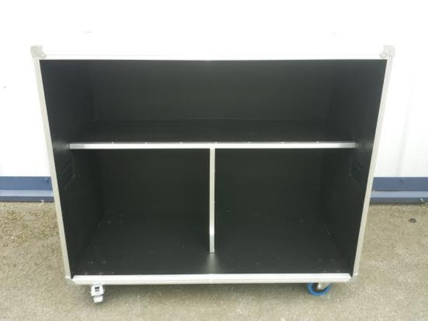 Back of 4foot Mobile Bar Flight Case Style