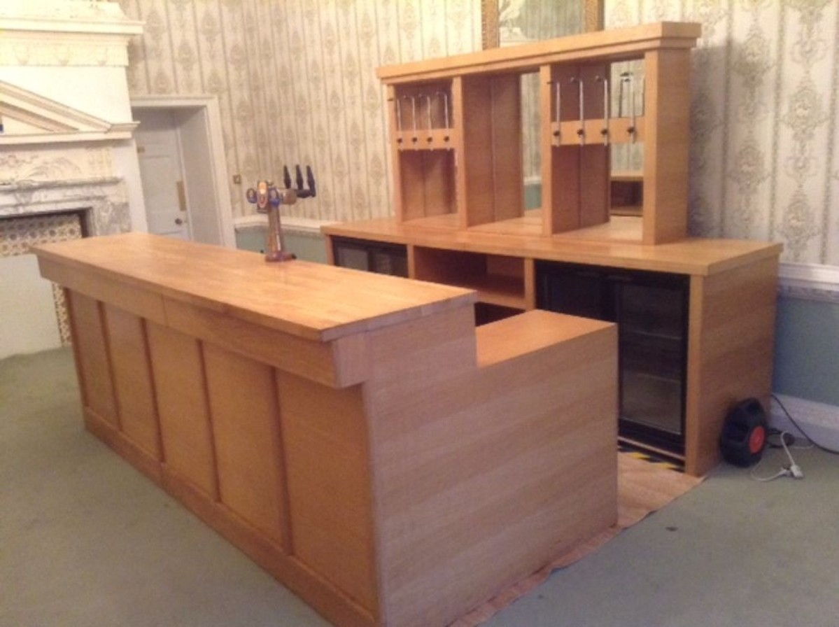 Secondhand hotel furniture lounge and bar oak mobile for Wooden bar unit