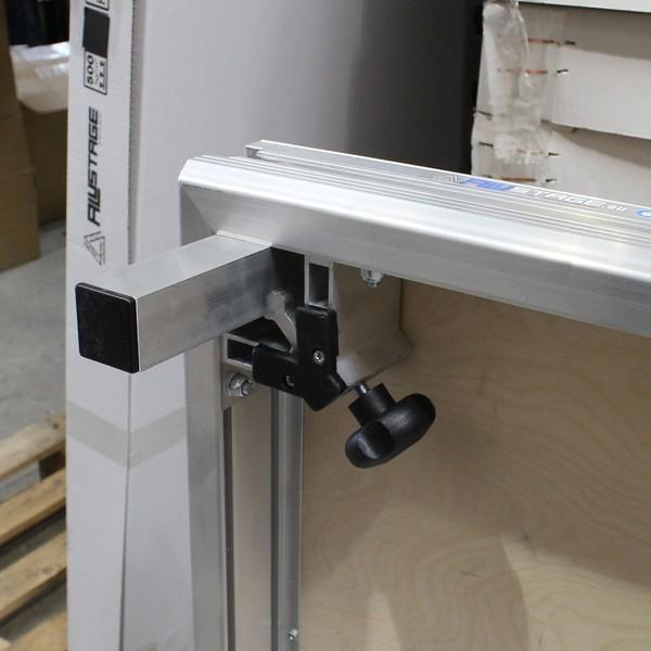 Aluminium stage deck legs