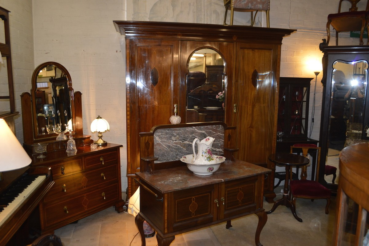 bedroom furniture reproduction victorian mahogany inlaid bedroom