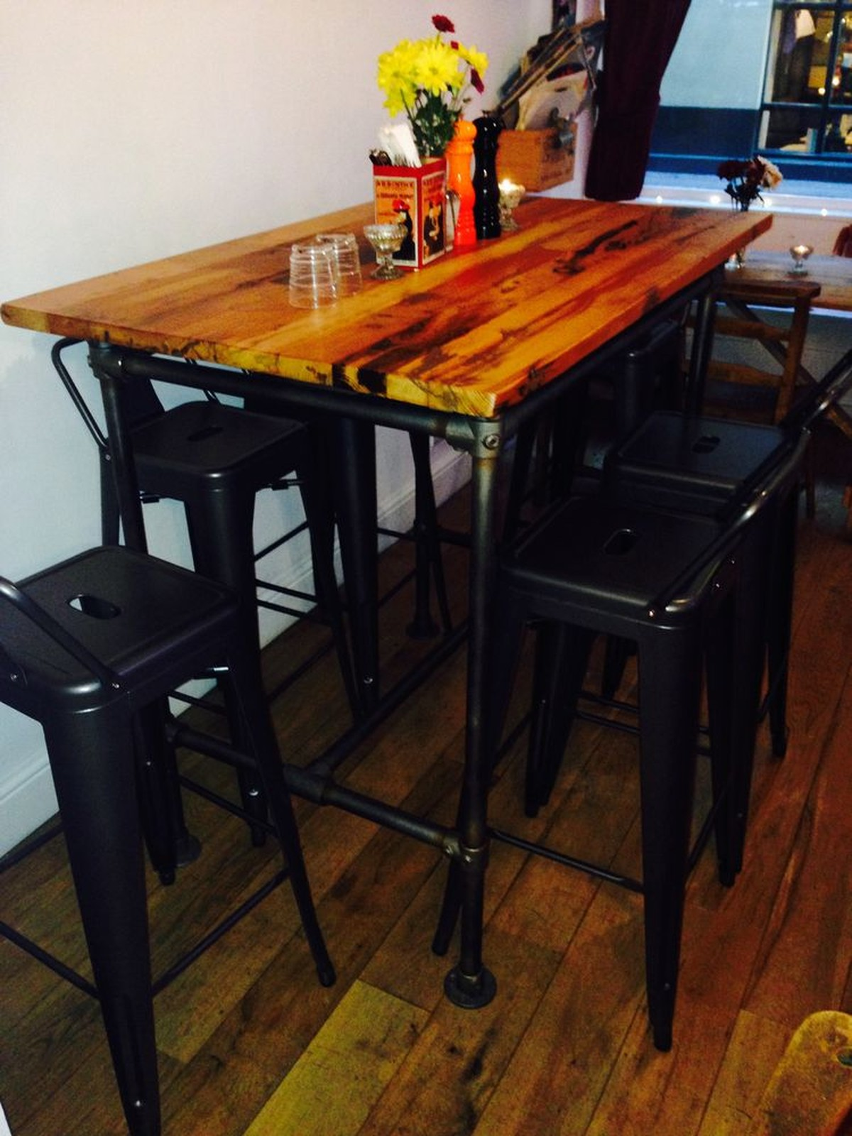 secondhand chairs and tables restaurant chairs reclaimed scaffold high bar table with stools. Black Bedroom Furniture Sets. Home Design Ideas
