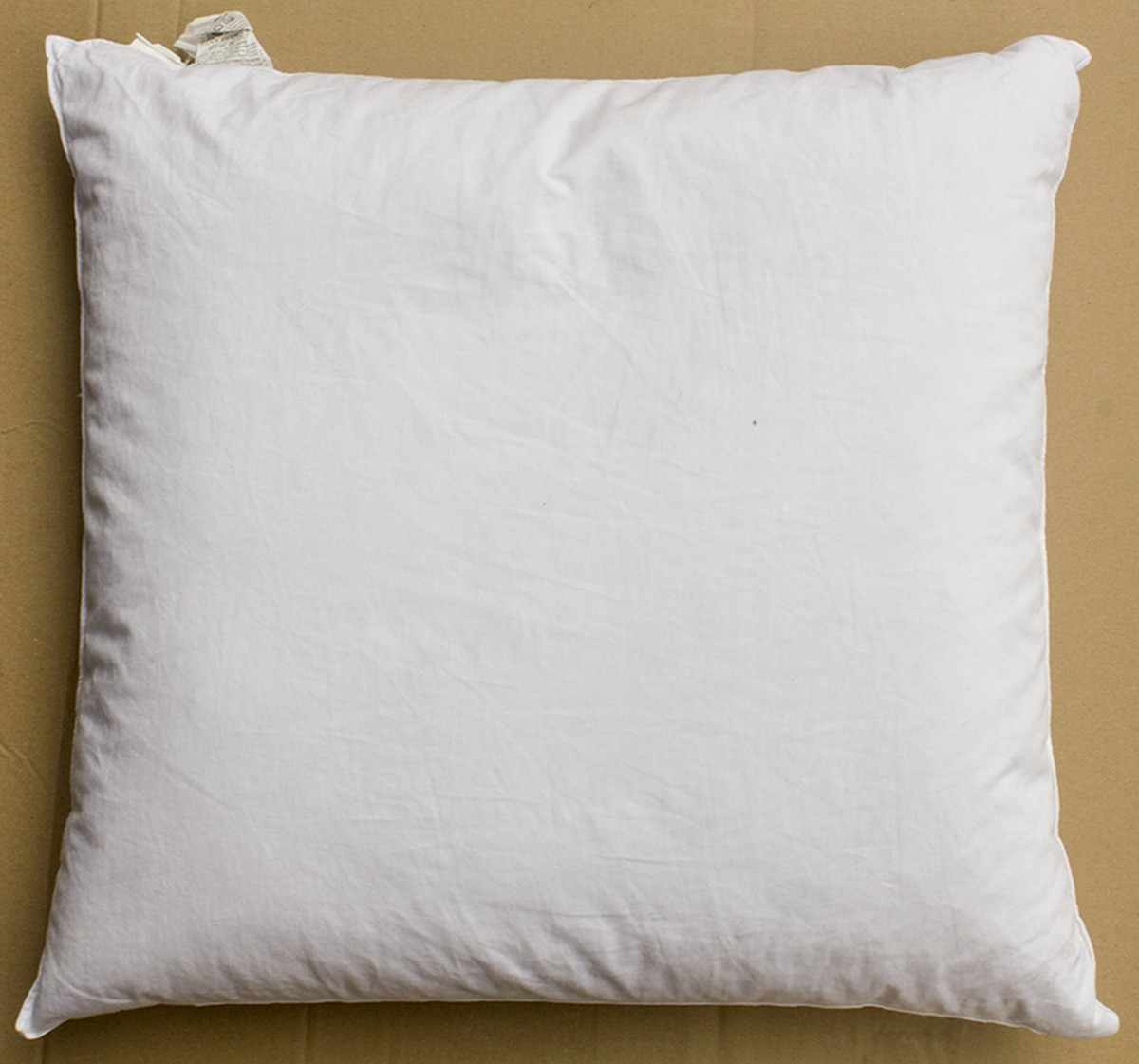 Secondhand hotel furniture bed linen euro pillow for Hotel pillows for sale philippines