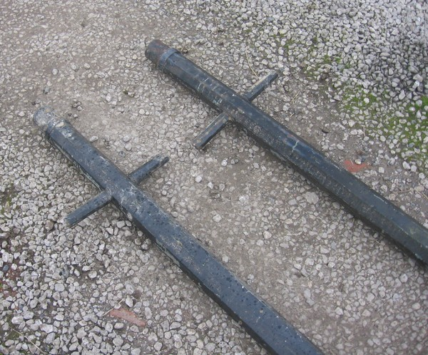 selling reclaimed cast iron lamp posts