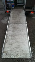 Alloy non slip hydraulic assisted ramp