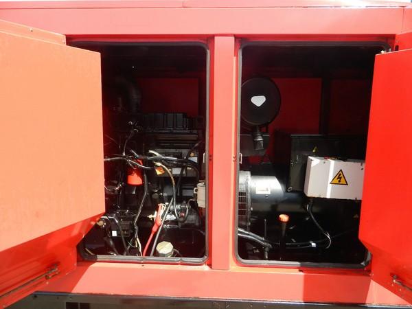 Selling 250 kva  Super Slient Diesel Generator