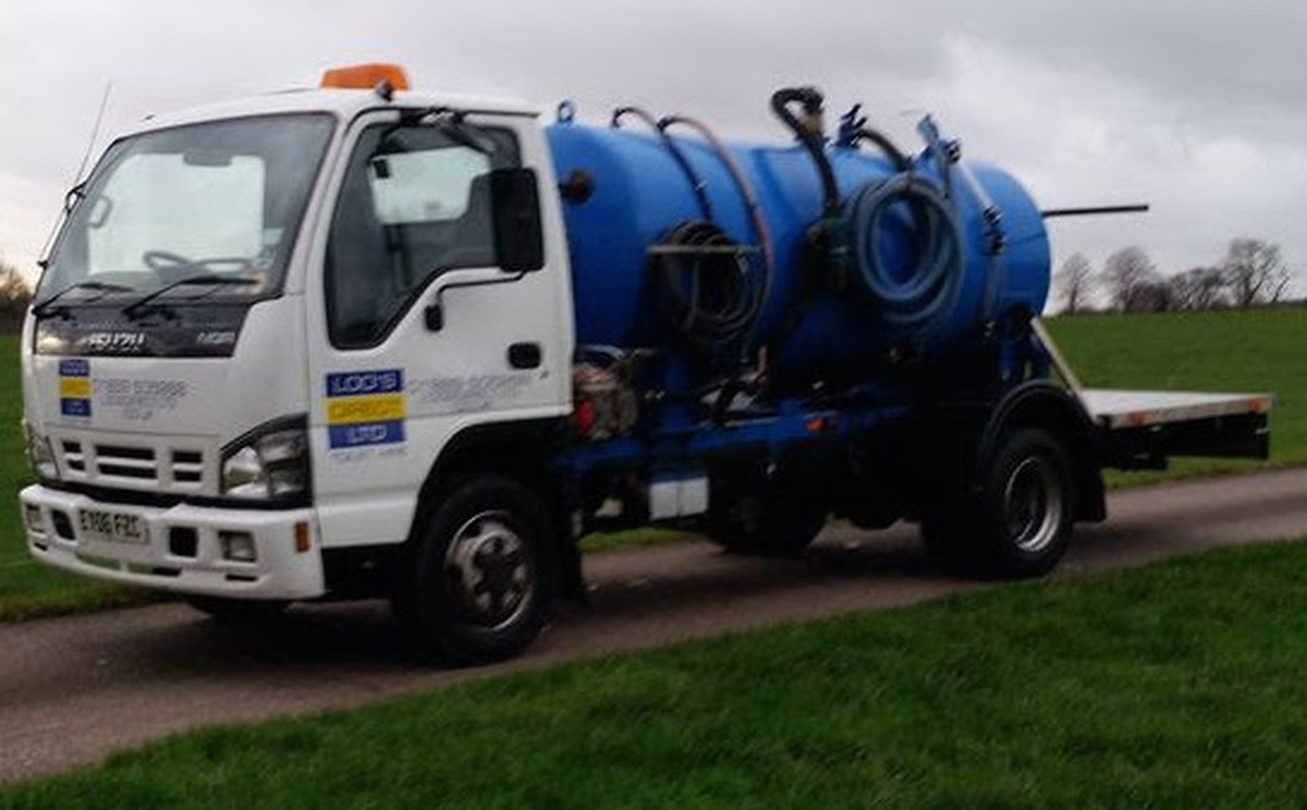 Secondhand Toilet Units | Vacuum Tanks | Isuzu 7.5t Vacuum ...