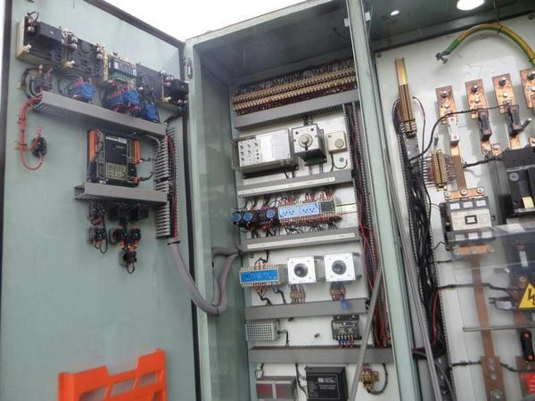 Used 6 cylinder turbo dorman 295 kva generator for sale