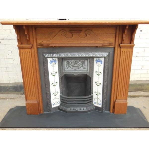 Original Oak Victorian Fireplace Surround with Quality Antique Cast Iron Tiled Insert