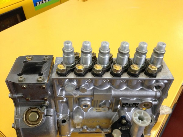 Bosch Injector pump 68215 00077 for sale