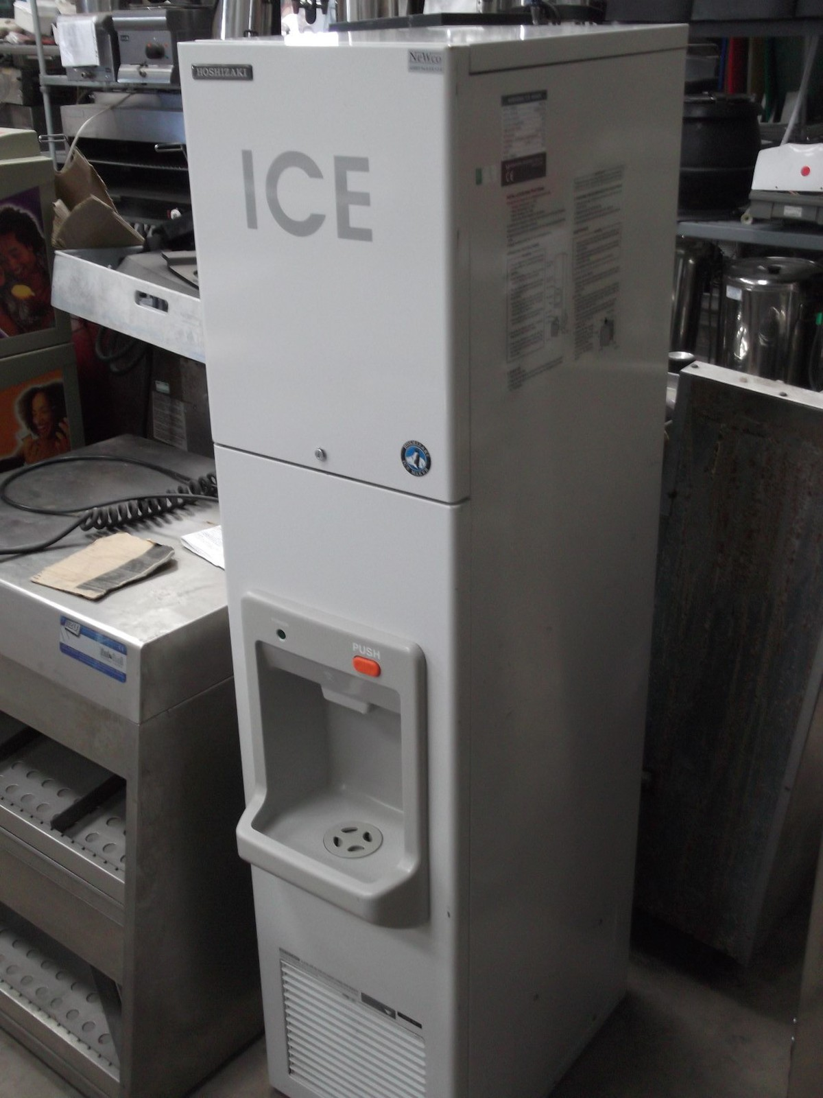 Secondhand pub equipment ice machines hoshizaki ice for Ice makers for sale