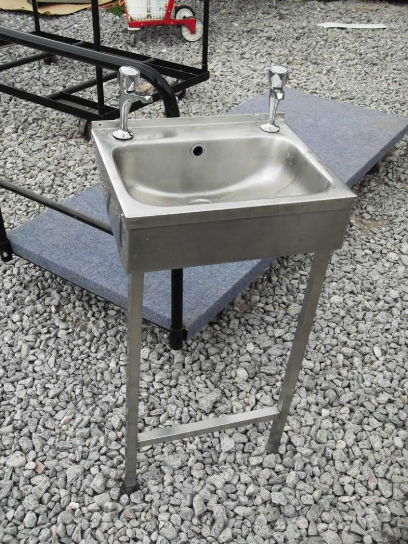 Small Hand Sink : Small free standing hand wash sink