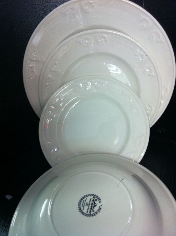 Aspen crockery  for sale