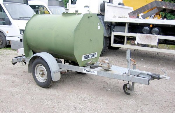 TRAILLOAD 250 GALLON HAND PUMP WATER BOWSER