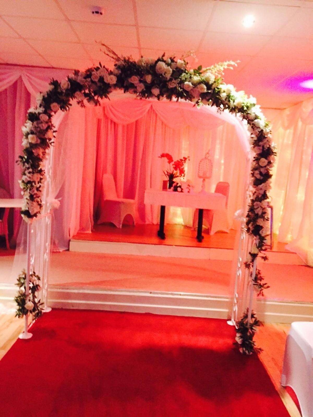 Secondhand prop shop wedding arch wedding arch leeds west large wedding arch junglespirit Images