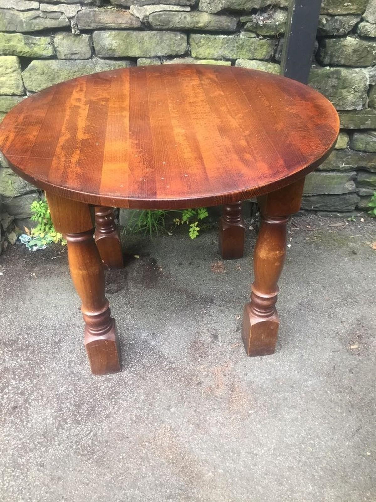 secondhand pub equipment pub tables round dining tables oldham lancashire. Black Bedroom Furniture Sets. Home Design Ideas