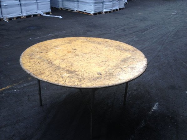 5' Round Wooden Tables