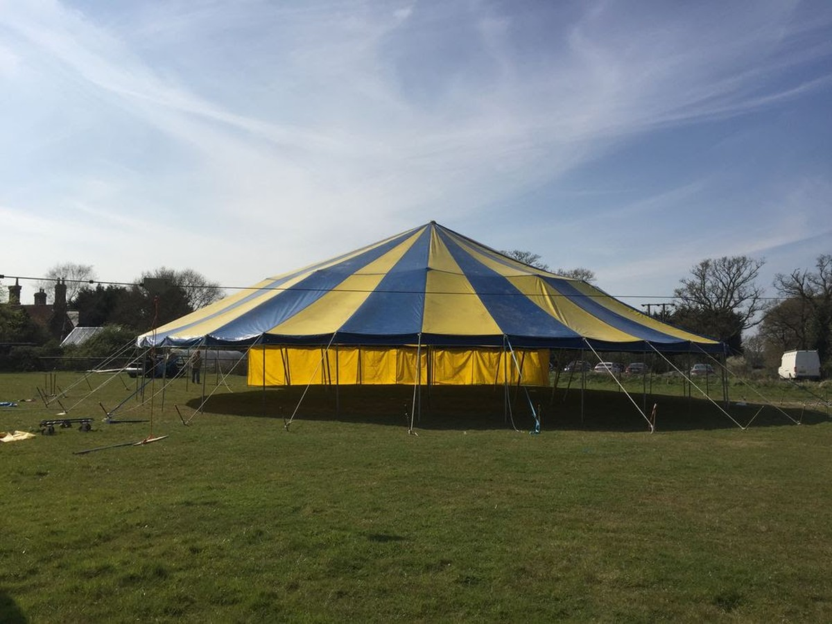 55' x 40' Red And White Big Top - Complete Tent - Bristol Twin-pole big top riggable as a 55' x 40' twin pole or as a single pole 40'. Supplied with king poles, winches, metalwork, side poles, walls, rigging, straps and stakes.