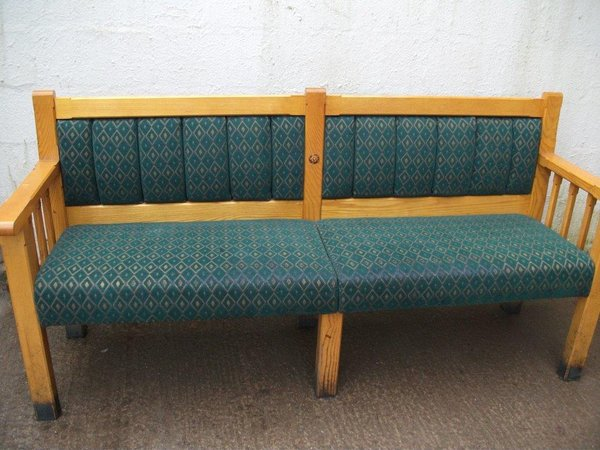 Pub Bench / Settle (Code B 225A)