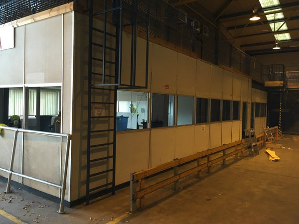 Portable office and mezzanine floor