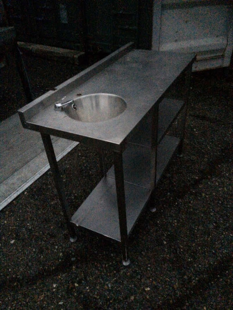 Table Top Dishwasher London : Sink with stainless steel tables