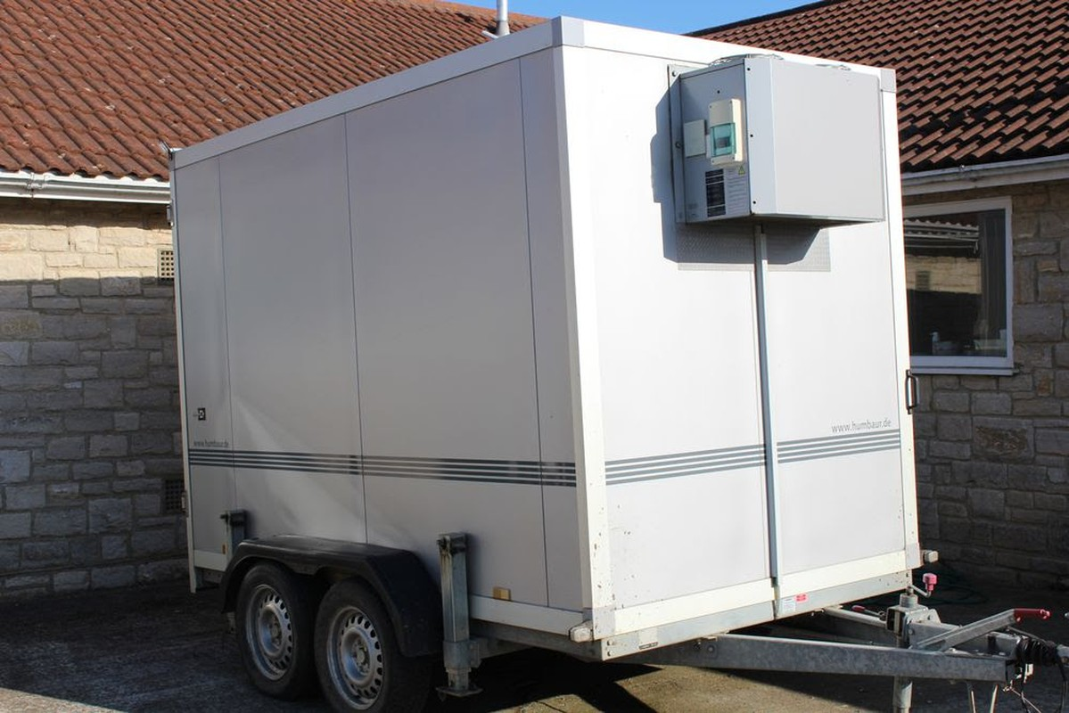 Secondhand catering equipment refrigerated and freezer for Walk in vault for sale