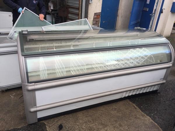 Novum Aaron chest display freezers