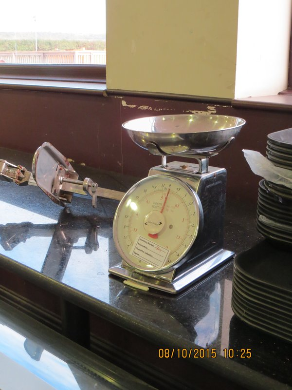 Used Analogue Scales with Stainless Steel Bowl For Sale