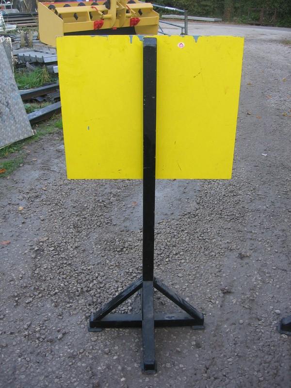 Mobile Display Posts