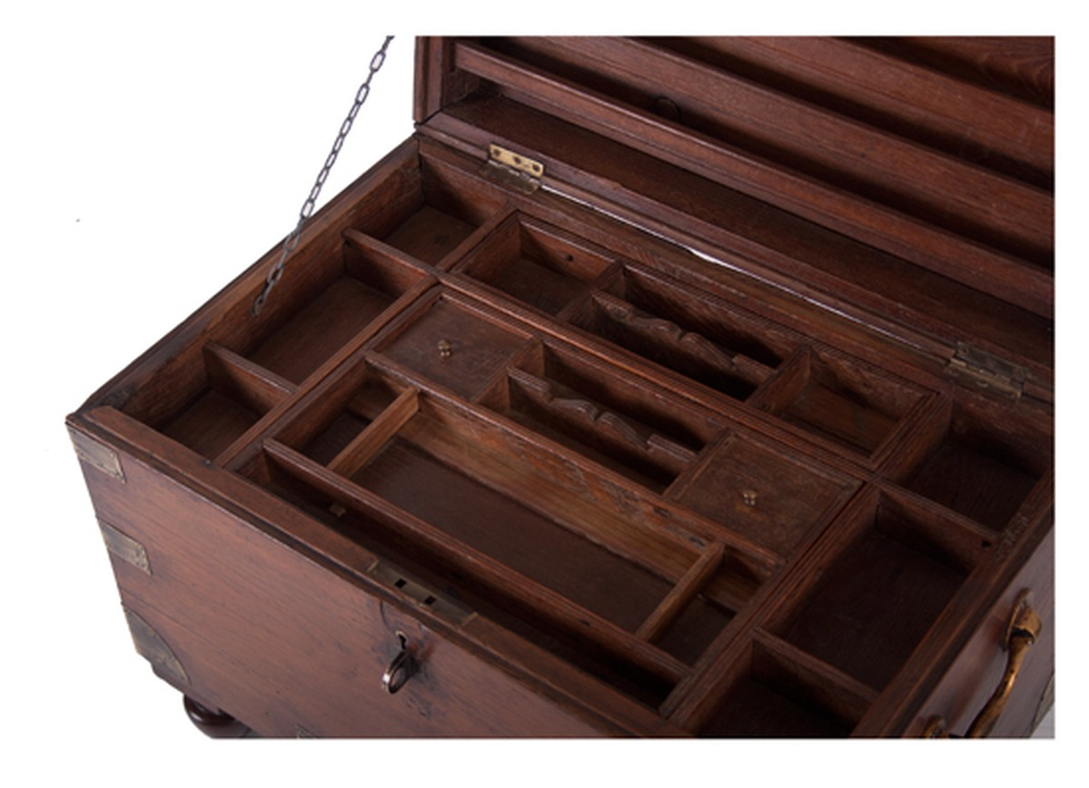 secondhand laptops the old cinema london teak trunk. Black Bedroom Furniture Sets. Home Design Ideas