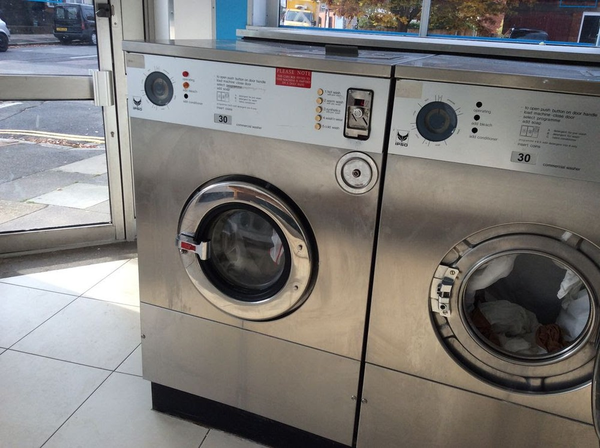 how to clean front loading washing machine uk