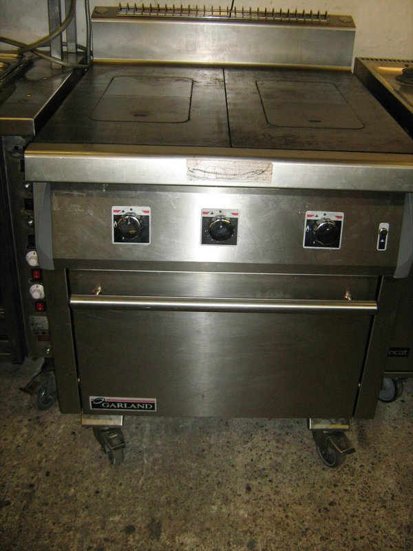 GARLAND G-B906 GAS SOLID TOP COOKER