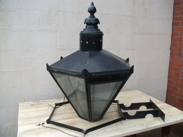 Outdoor Lantern Light (Code ODL 1)