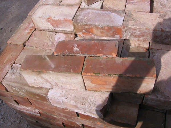 Wire Cut Reclaimed 1930's Red Bricks