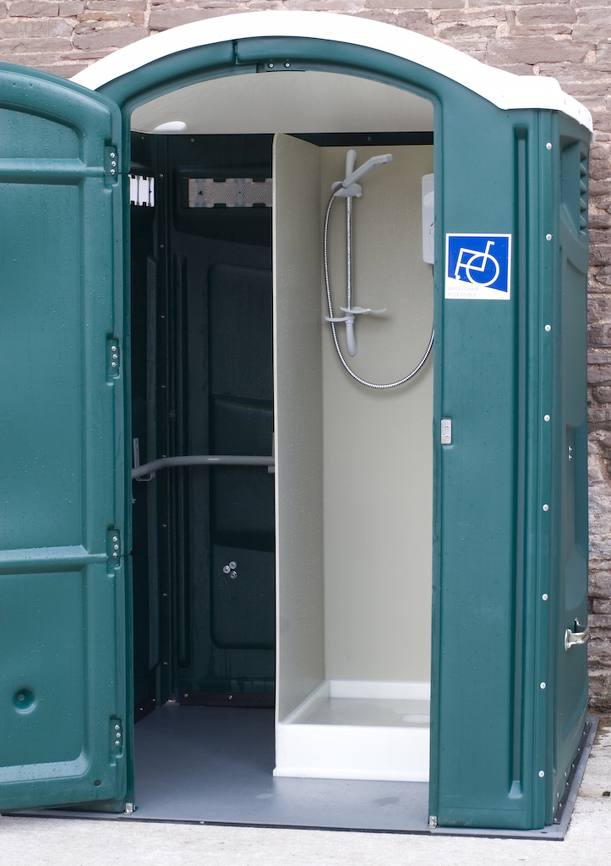 secondhand toilet units shower units 2x single shower units herefordshire. Black Bedroom Furniture Sets. Home Design Ideas