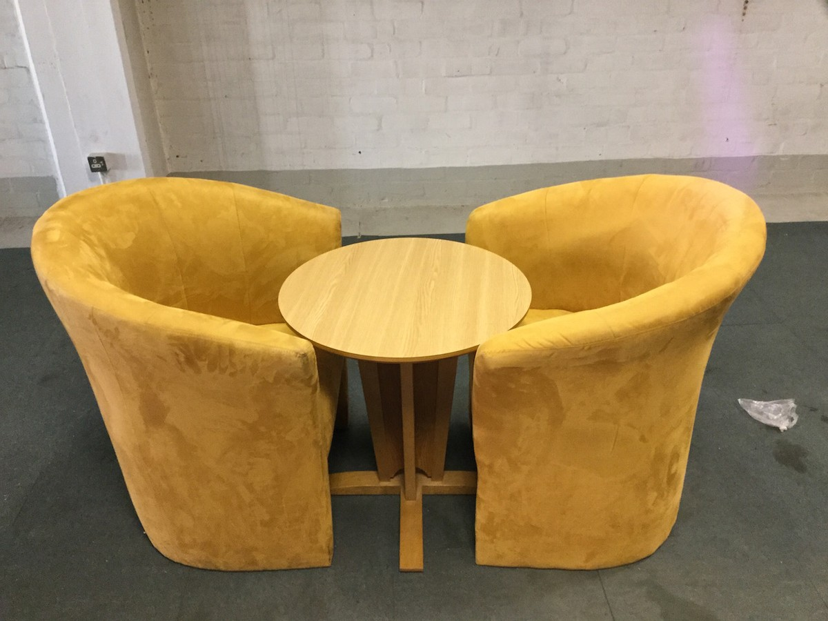 Secondhand hotel furniture bedrooms furniture and for Chairs and coffee table