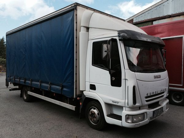 7.5 Tonne Curtain Sider