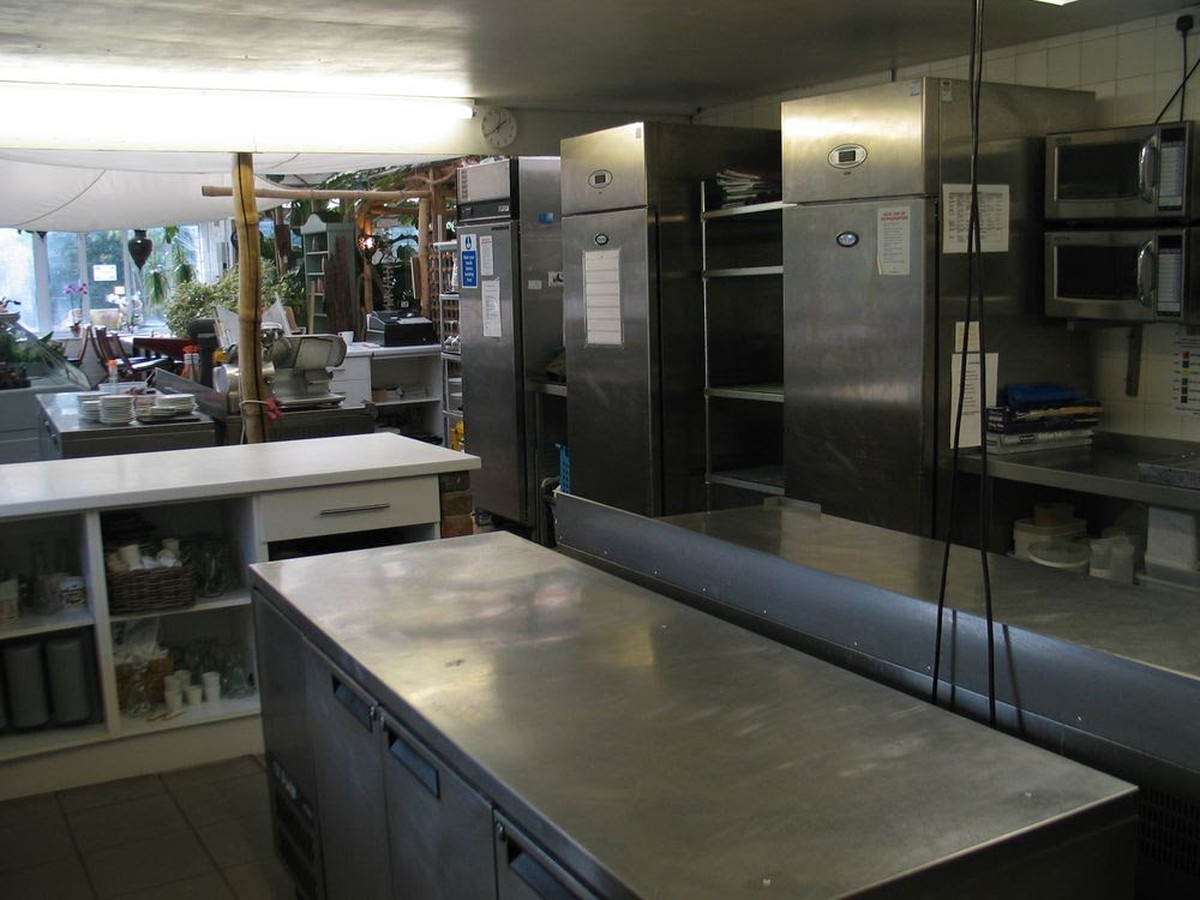 Secondhand catering equipment job lots and miscellaneous for Kitchen set 008 58