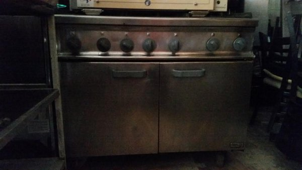 Six burner gas oven