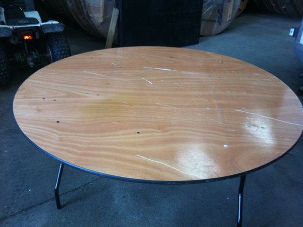 Round banqueting tables