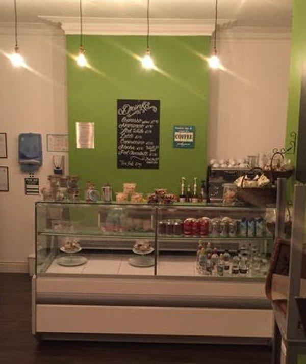 Igloo 2metre serve over counter with glass shelf