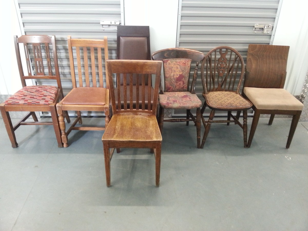 Secondhand chairs and tables inn vogue nottingham