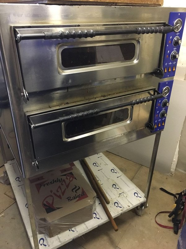 Used Commercial Countertop Pizza Oven : Selling 1 Pizza Cone maker and 2 Pizza Cone Ovens due to new business ...