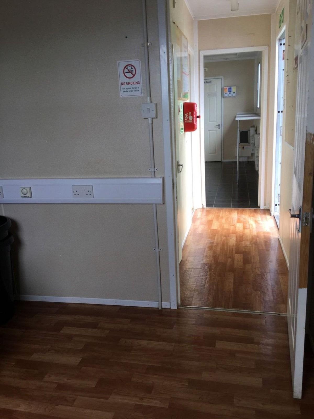 Second Hand Kitchen Unit Doors Secondhand Trailers Welfare Trailers 2x Mobile Welfare Sleeper