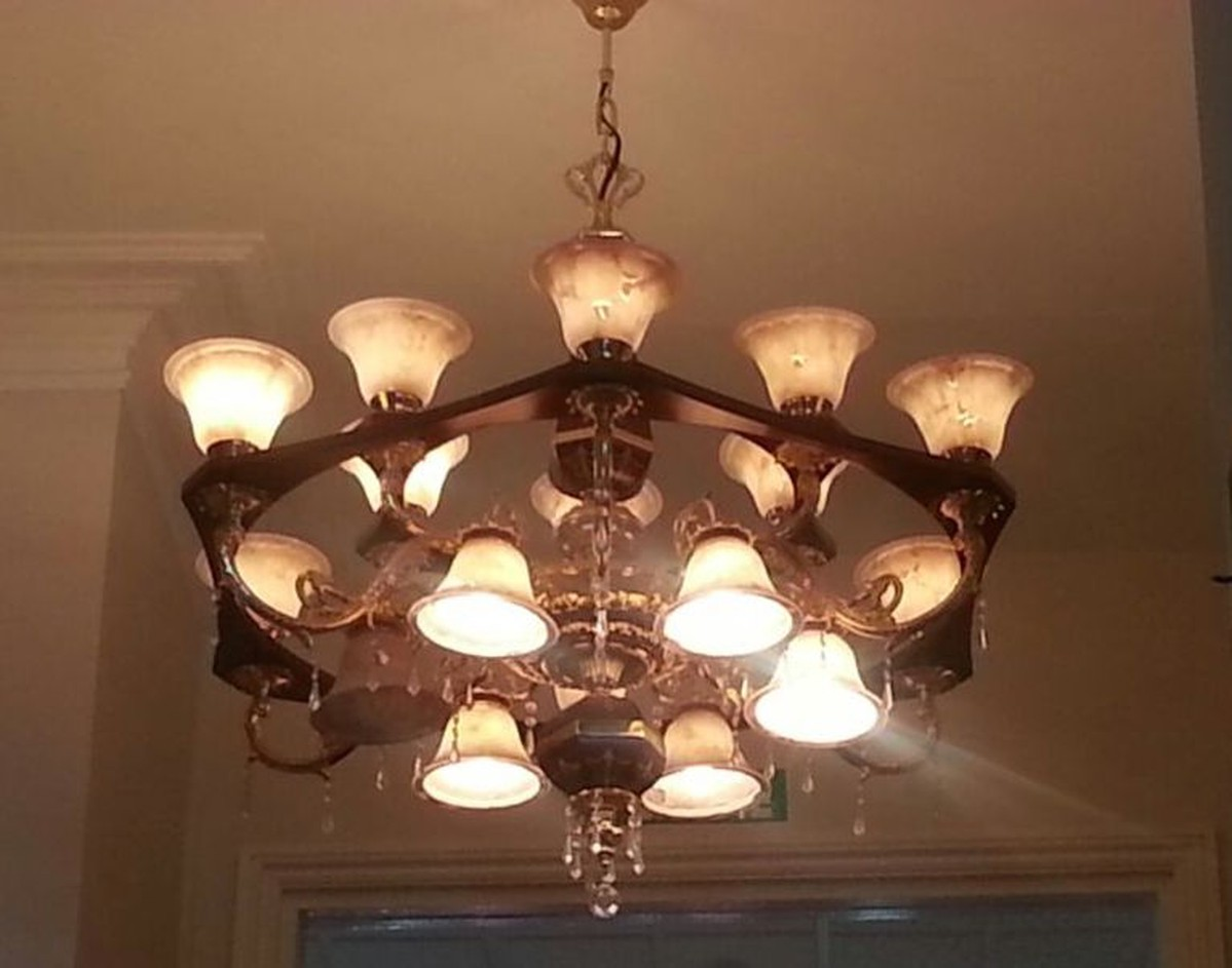 Secondhand Hotel Furniture Lighting 3x Chandeliers