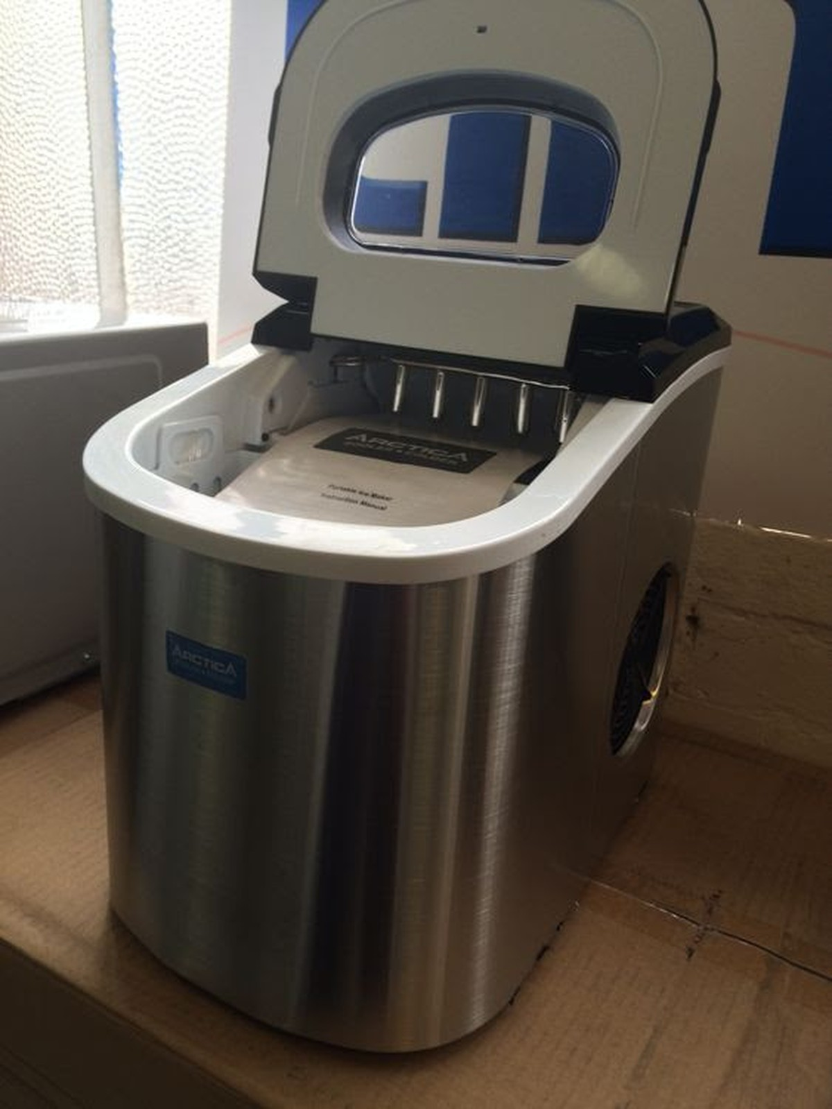 ... Equipment and Coolers New Arctica Countertop Ice Maker - Gloucester