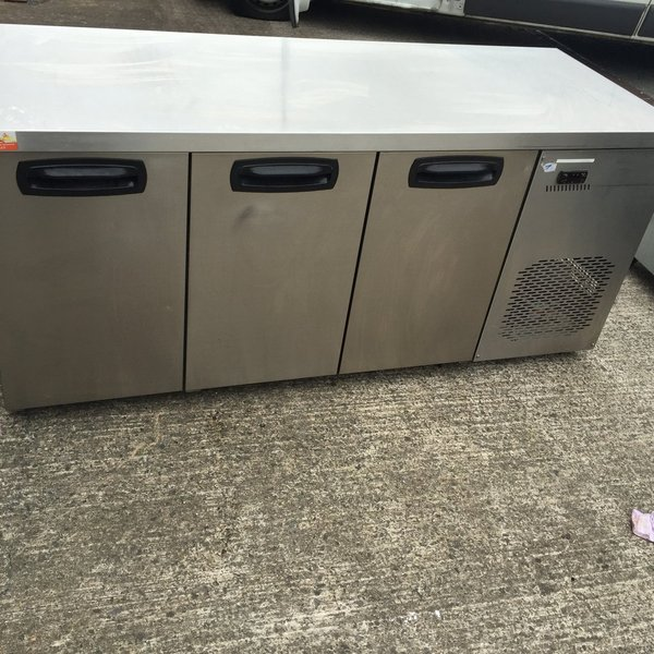 Inomak 3 Door Prep Fridge  (ZN999)