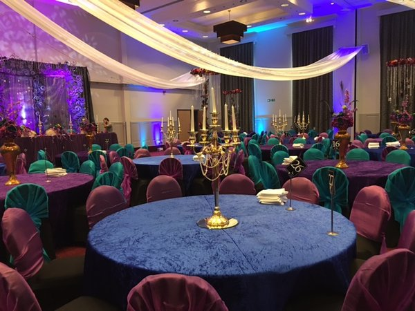Royal blue crushed velvet tablecloths