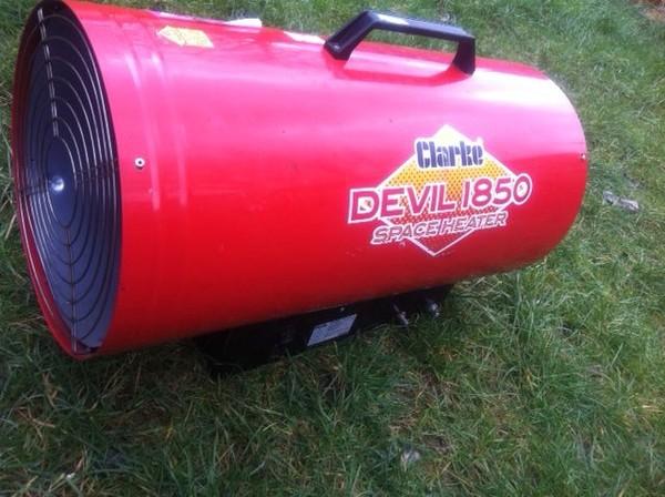 Clark Devil 1850 Space Heater 3