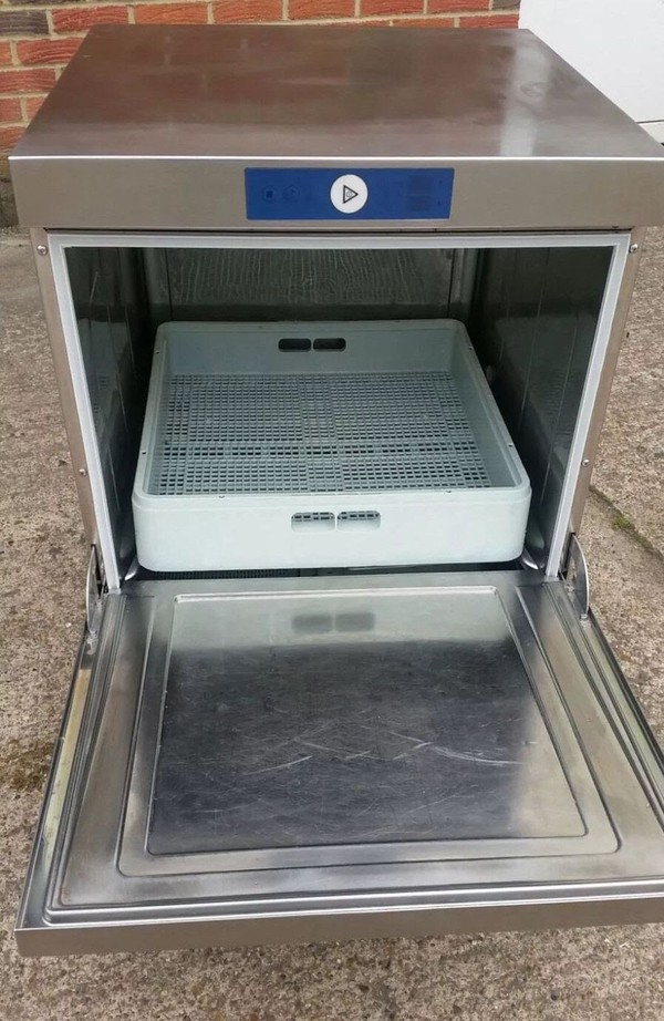 Hobart Undercounter Dishwasher, electric, serviced